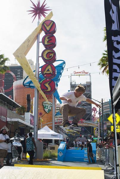 Dennis Busenitz Las Vegas Kickflip