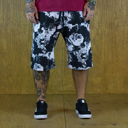 Size Extra Large in Asphalt Yacht Club Clash Fleece Shorts, Color: Black, White